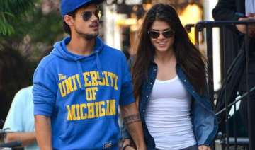 taylor lautner and marie avgeropoulos break up -...
