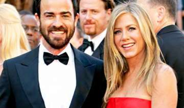 finally jennifer aniston ties knot with justin...
