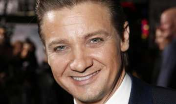 jeremy renner devastated after his wife filed for...