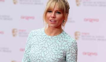 sienna miller feels complete at 33 - India TV