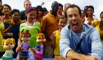 jason lee says chipwrecked is not just for kids -...