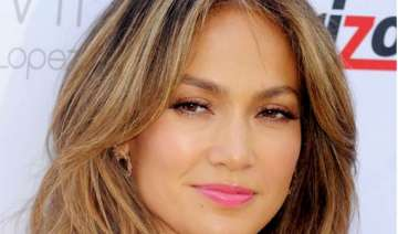jennifer lopez to be awarded by gay rights...