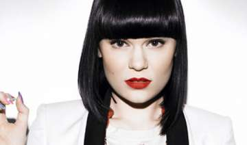 jessie j upset by young fan s death - India TV