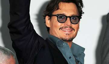 johnny depp opens up about vision problem - India...