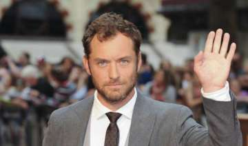 jude law joins queen of the desert cast - India TV