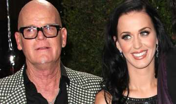 katy perry s father apologizes for remarks about...