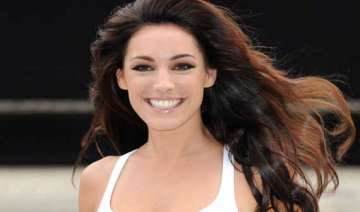 kelly brook says no to plastic surgery - India TV