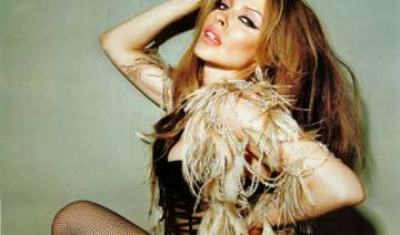 kylie minogue to replace jessie j in the voice -...
