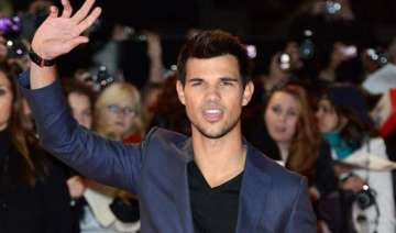 lautner cautious about relationships - India TV