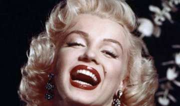 marilyn monroe s face to front chanel - India TV