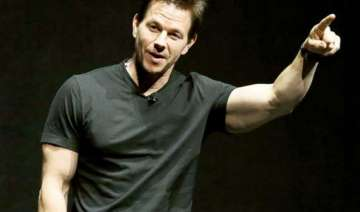 mark wahlberg hasn t looked in a mirror in 10...