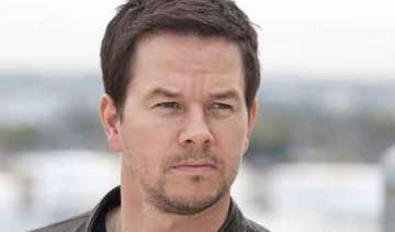 mark wahlberg to expand burger chain to canada -...