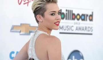 miley cyrus invites fans to star in new video -...