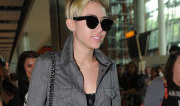 miley cyrus promotes new song in london - India TV