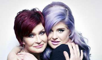 mom s illness brought kelly closer to her - India...