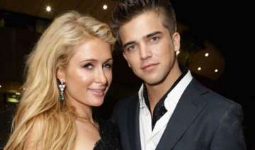 paris hilton s boyfriend not insecure - India TV
