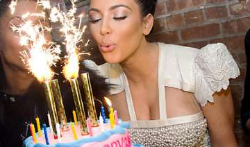 pay up to wish kim on her b day - India TV