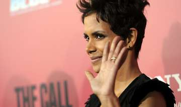psychologist helps halle berry deal with stress -...