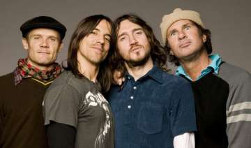 red hot chili peppers top lollapalooza lineup -...