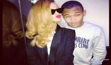 rihanna gifts 100 000 pound car to brother -...