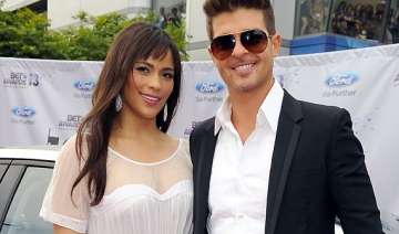 robin thicke praises estranged wife patton -...