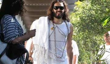 russell brand takes mother for yoga - India TV