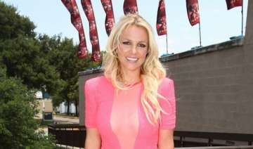 spears to judge the x factor next year - India TV