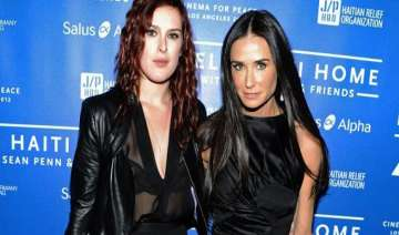 yoga time for demi moore in new mexico - India TV