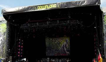 download rock festival becomes docking place for...