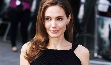 angelina jolie to have another surgery - India TV