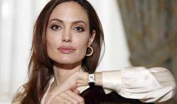 angelina jolie can t compare herself to her...