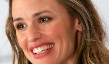 jennifer garner a patient wife - India TV