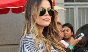 khlo kardashian flaunts curves - India TV