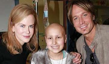 kidman urban perform for sick children - India TV