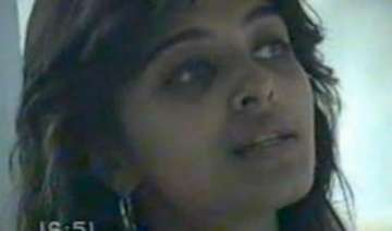 aishwarya looked like this in 1993 youtube video...