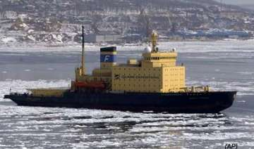 ship with 100 tourists stuck in antarctic ice -...