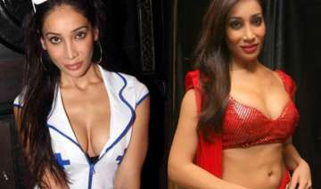 omg sofia hayat posts nude pic to oppose porn ban...
