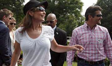 boob job rumours as sarah palin appears in t...