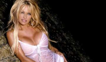 10 hottest pics of pamela anderson the oldest...