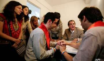 argentina grants first marriage licence to gays -...