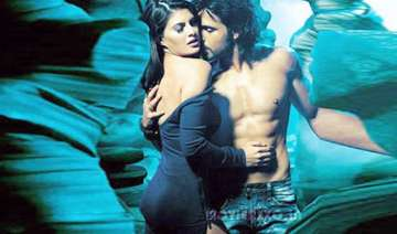 jacqueline sizzles with emraan in murder sequel -...