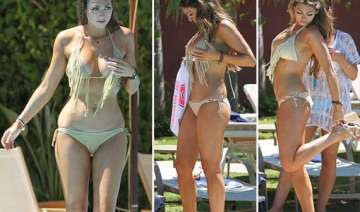 luisa zissman soaks up sun in spain view pics -...