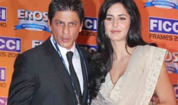 shah rukh tries to win katrina s loyalties -...
