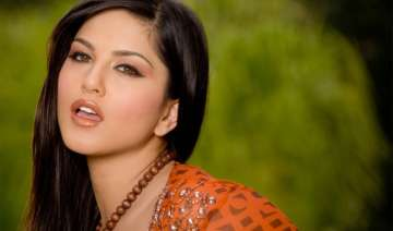 sunny leone may turn down jism 2 over money issue...