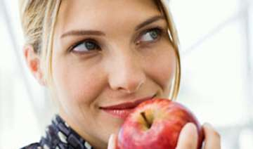 apple a day helps stave off heart diseases study...