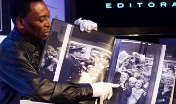 book about pele weighs 15 kg costs 1 700 see pics...