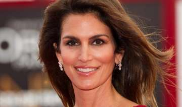 cindy crawford to release her hybrid book in 2015...