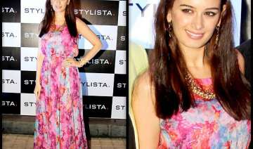 evelyn flaunts self designed outfit - India TV