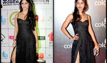 gr8 women awards hot tv babe sayantani repeats...