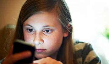 using smartphones for temporary relief from...